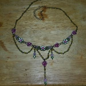 VTG AVON ROSE & FLOWERS VICTORIAN STYLE NECKLACE